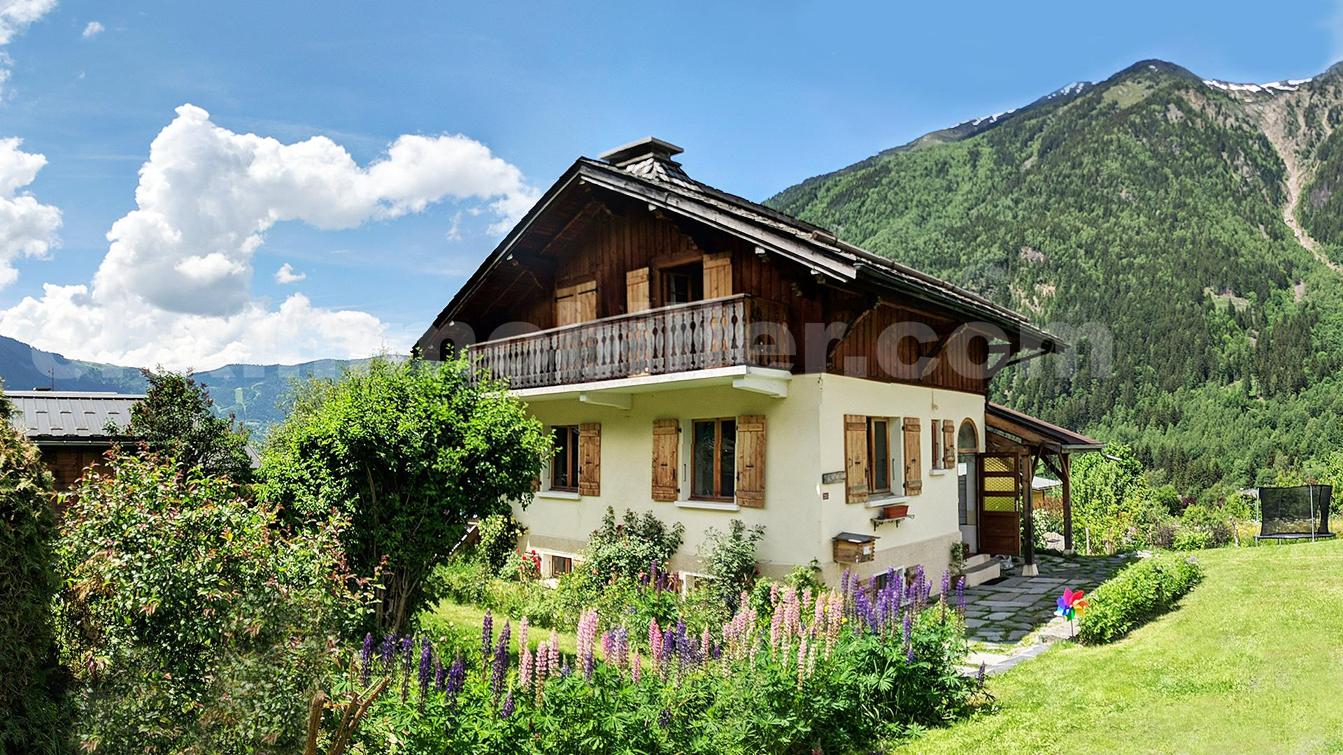 Chalet outside copy
